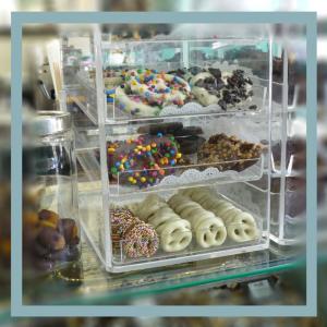 chocolations-interior-goodies-800px